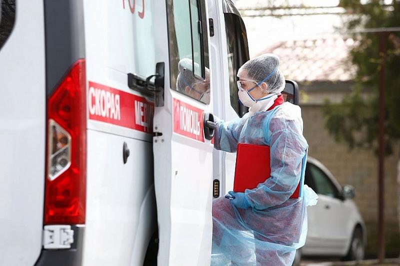 Названы причины ослабления коронавируса в России