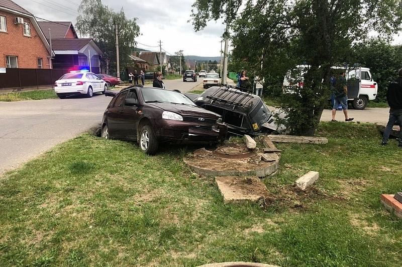 В Краснодарском крае 19-летний водитель «Лады» устроил ДТП с двумя пострадавшими