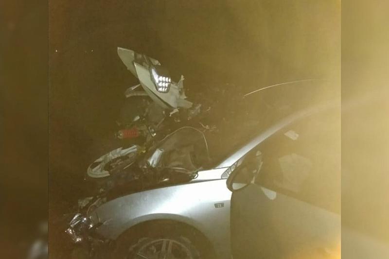 В Краснодарском крае в ДТП с легковушкой погиб мотоциклист