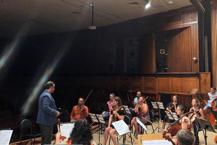 В Сочи симфонический оркестр впервые с начала пандемии приступил к репетициям