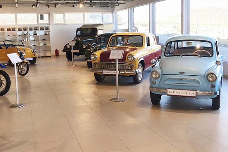 Еще один объект турпоказа: музей ретро-автомобилей начал работать в Новороссийске