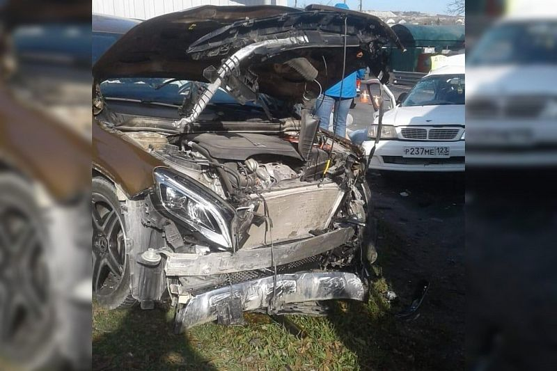 В жестком ДТП с участием двух иномарок погиб водитель «Ниссана»