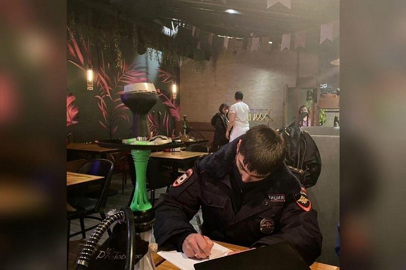 Два бара оштрафуют за предоставление услуг по курению кальянов