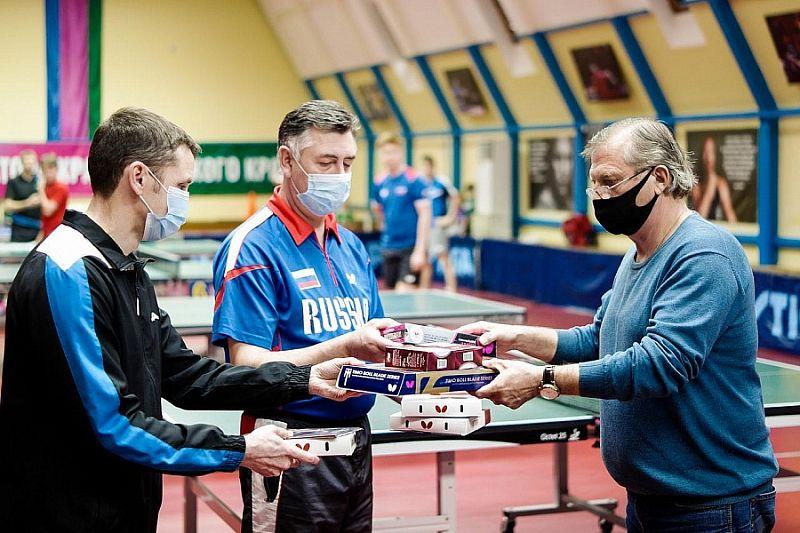 Центру олимпийской подготовки по настольному теннису в Краснодаре вручили спортинвентарь в рамках нацпроекта
