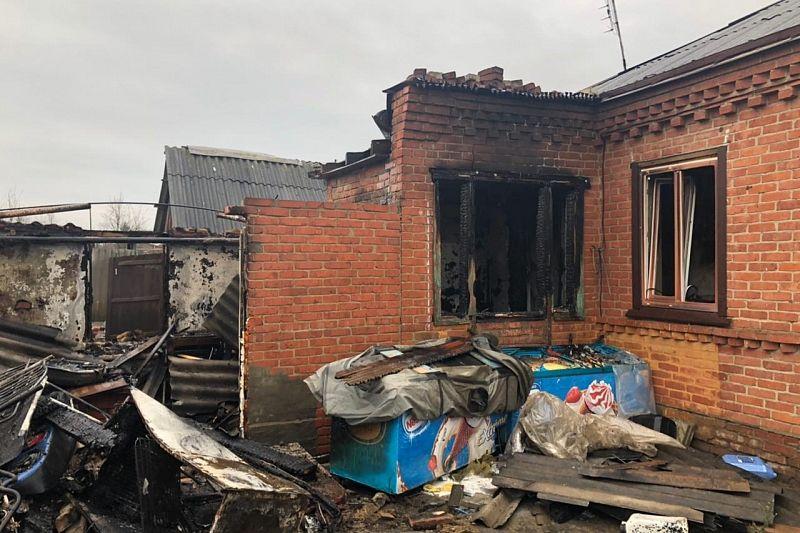 Дочь не смогла вывести пожилого отца из огня. Он погиб