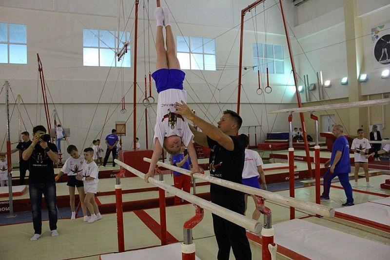 Олимпийский чемпион Алексей Немов провел мастер-класс в Краснодаре