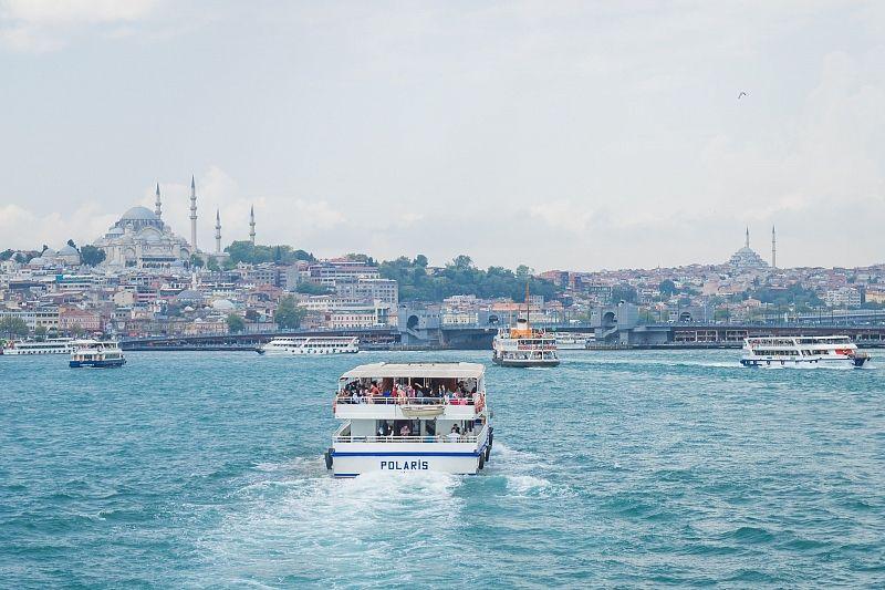 Россия приостановит авиасообщение с Турцией