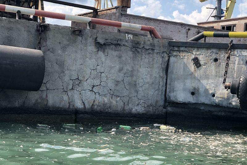 Торговый порт Новороссийска выплатил 3,6 млн рублей за загрязнение Черного моря